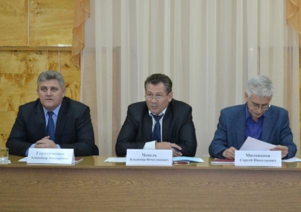 Главная тема заседания - развитие электроэнергетического комплекса края.